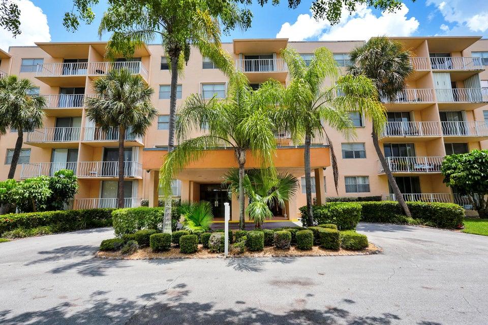 470 Executive Center Drive 4c  West Palm Beach, FL 33401