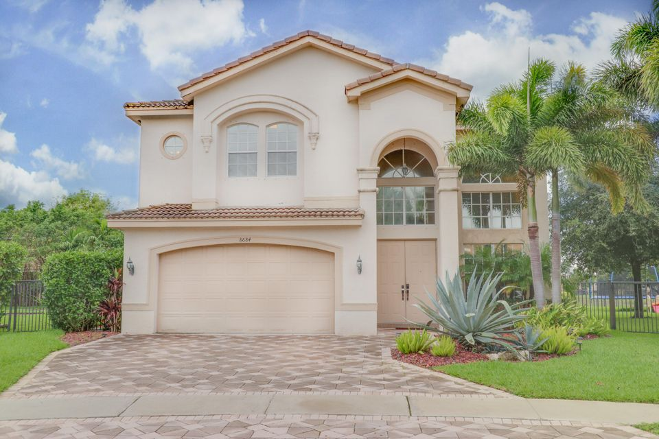 Canyon Isles 1 8684 Breezy-hill Drive