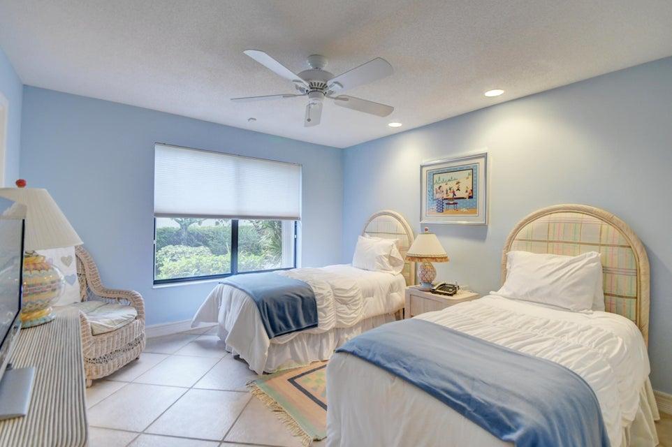 10161 Spyglass Way Boca Raton FL 33498 - photo 27