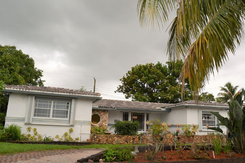 Home for sale in ORIOLE ESTATES SEC 5 Lauderdale Lakes Florida