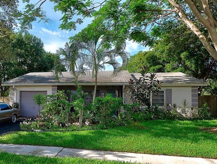 9564 Richmond Circle  Boca Raton FL 33434