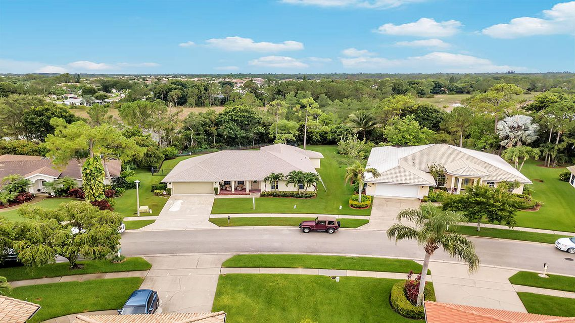 233 Monterey Way Royal Palm Beach, FL 33411 photo 2
