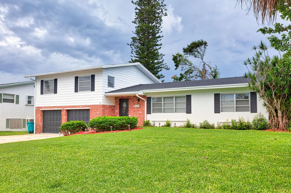 Home for sale in Woodcrest Manore Boynton Beach Florida