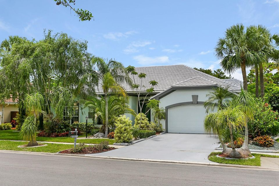 13443 Miles Standish Port - Palm Beach Gardens, Florida