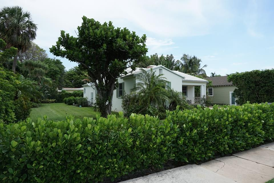 317 Granada Road West Palm Beach, FL 33401