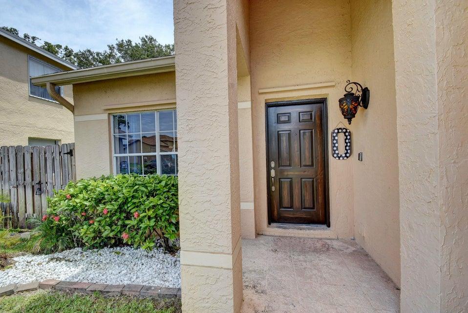 112 Heatherwood Drive Royal Palm Beach, FL 33411 photo 3