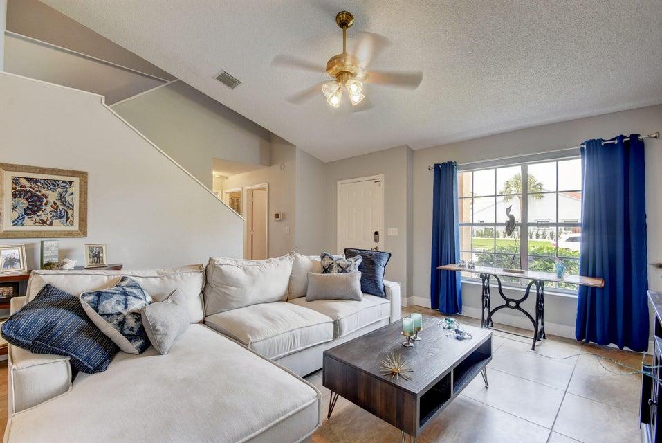 112 Heatherwood Drive Royal Palm Beach, FL 33411 photo 6