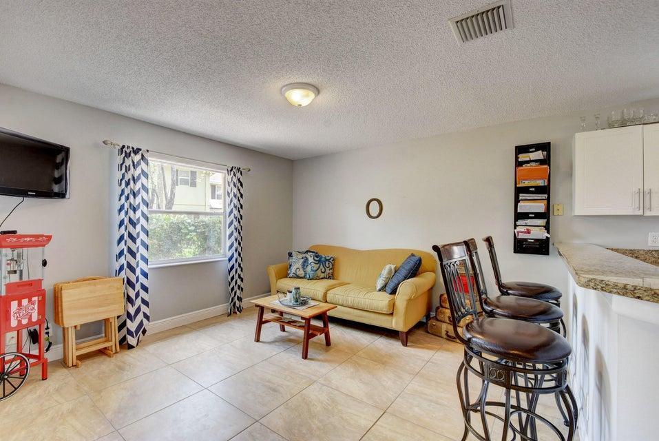112 Heatherwood Drive Royal Palm Beach, FL 33411 photo 9