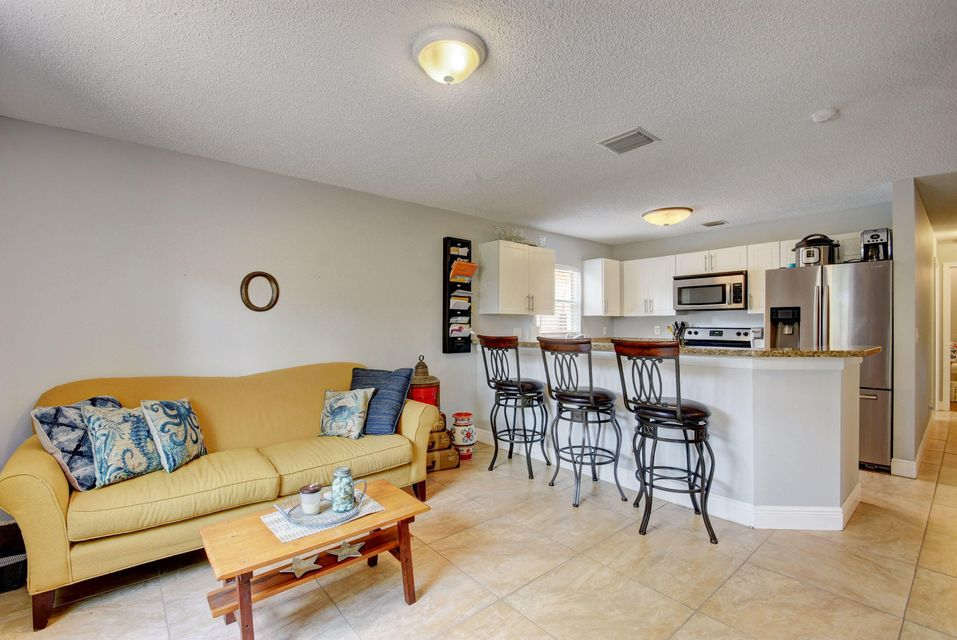 112 Heatherwood Drive Royal Palm Beach, FL 33411 photo 10