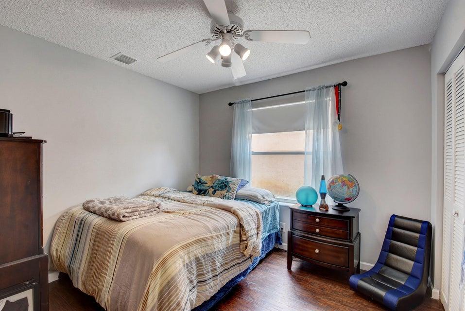 112 Heatherwood Drive Royal Palm Beach, FL 33411 photo 16