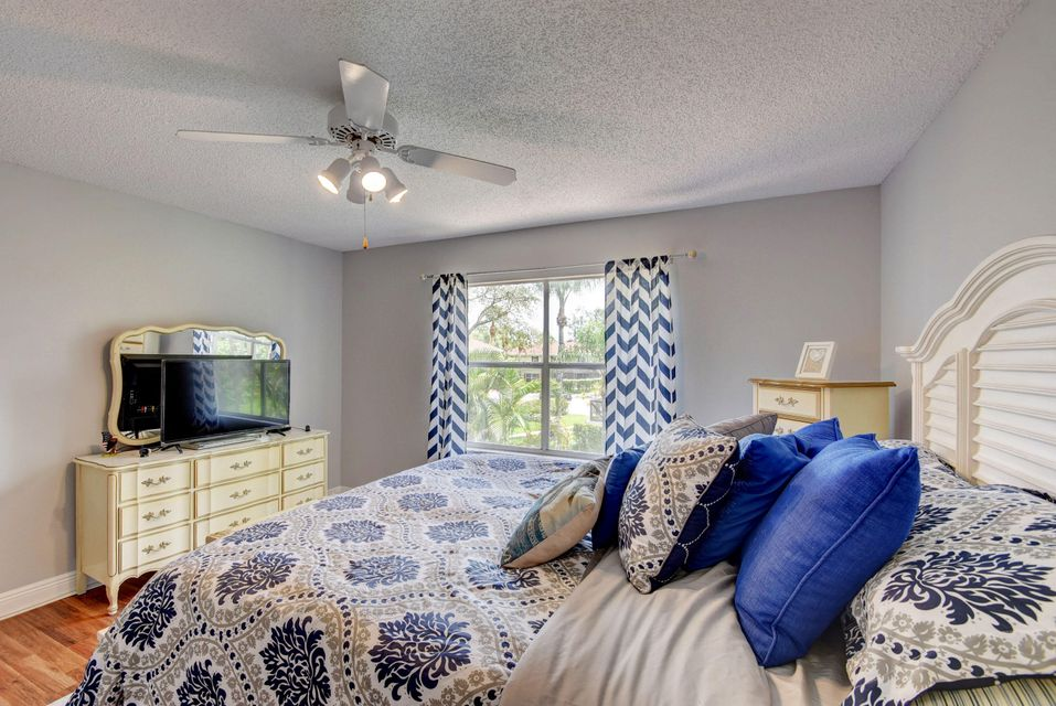 112 Heatherwood Drive Royal Palm Beach, FL 33411 photo 18