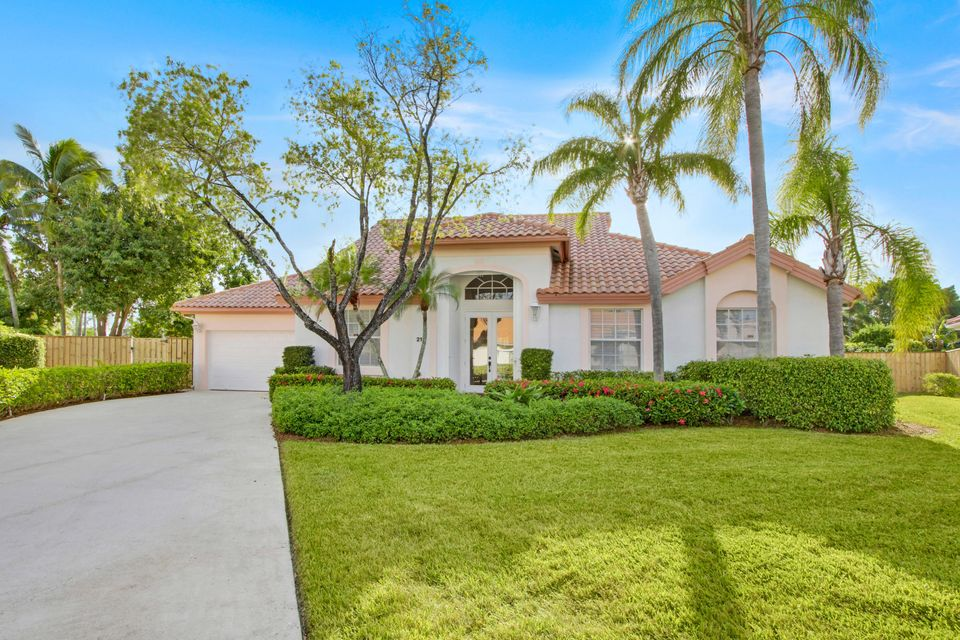 212 Eagleton Estate Boulevard , Palm Beach Gardens FL 33418 is listed for sale as MLS Listing RX-10439869 20 photos