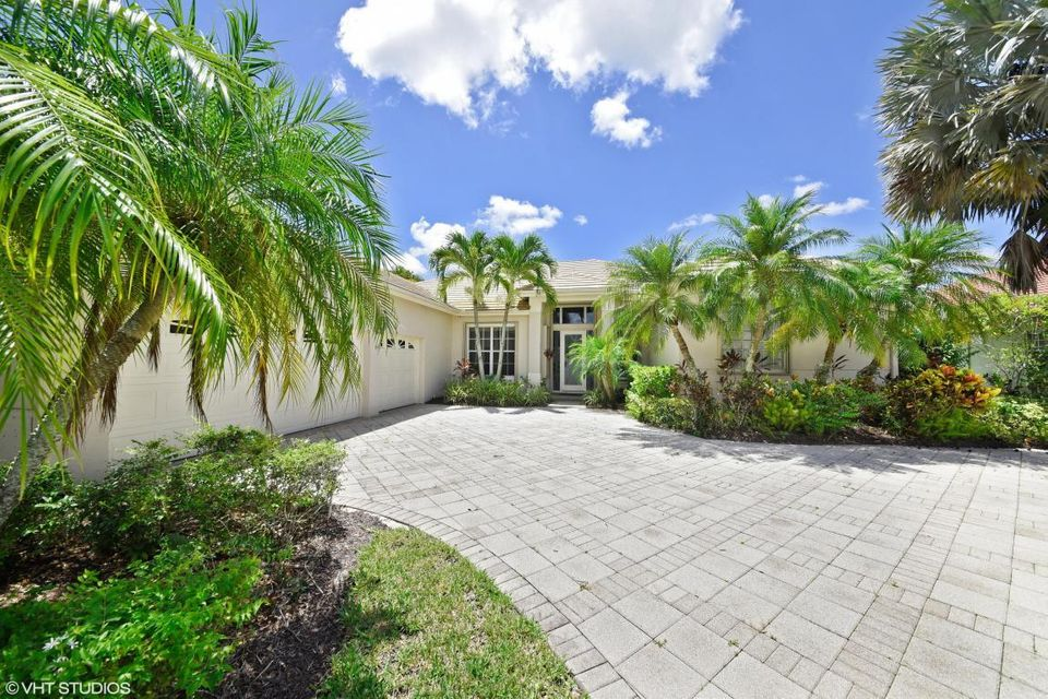 8884 Lakes Boulevard West Palm Beach, FL 33412 photo 1