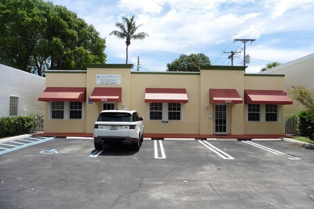 2810 S Dixie Highway  West Palm Beach, FL 33405