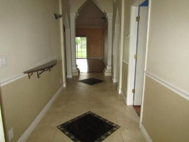 154 Sparrow Drive B Royal Palm Beach, FL 33411 photo 2