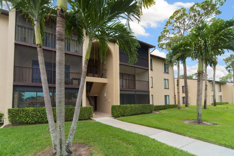627 Sea Pine Way E2 , Greenacres FL 33415 is listed for sale as MLS Listing RX-10440068 15 photos