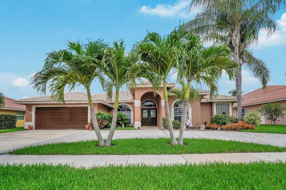 120 Pepper Tree Cres  Royal Palm Beach, FL 33411