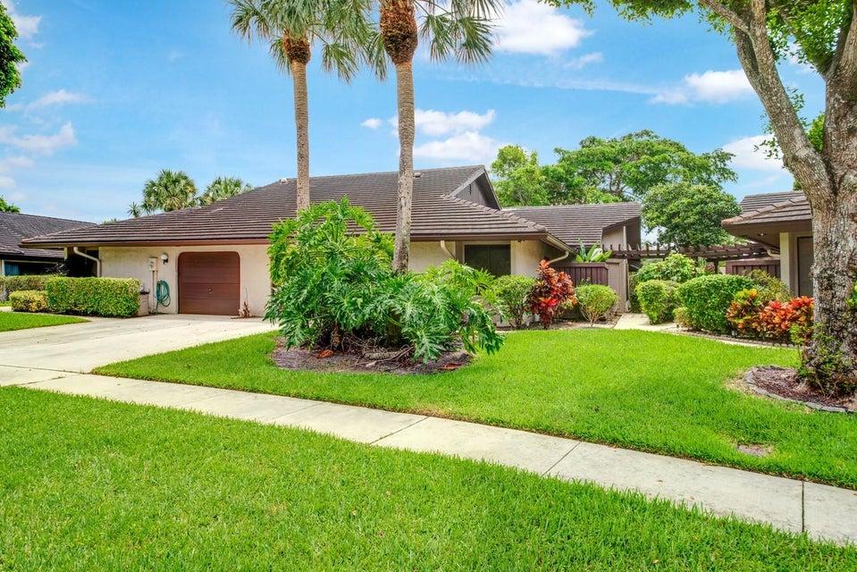 5056 Pine Drive Boynton Beach, FL 33437