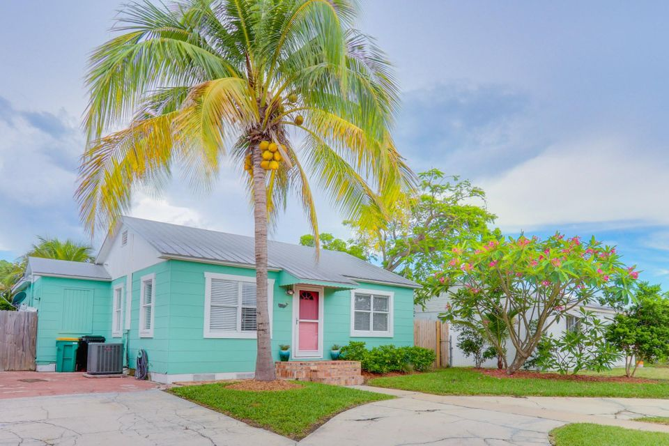 Home for sale in LAKE WORTH TOWN OF Lake Worth Florida