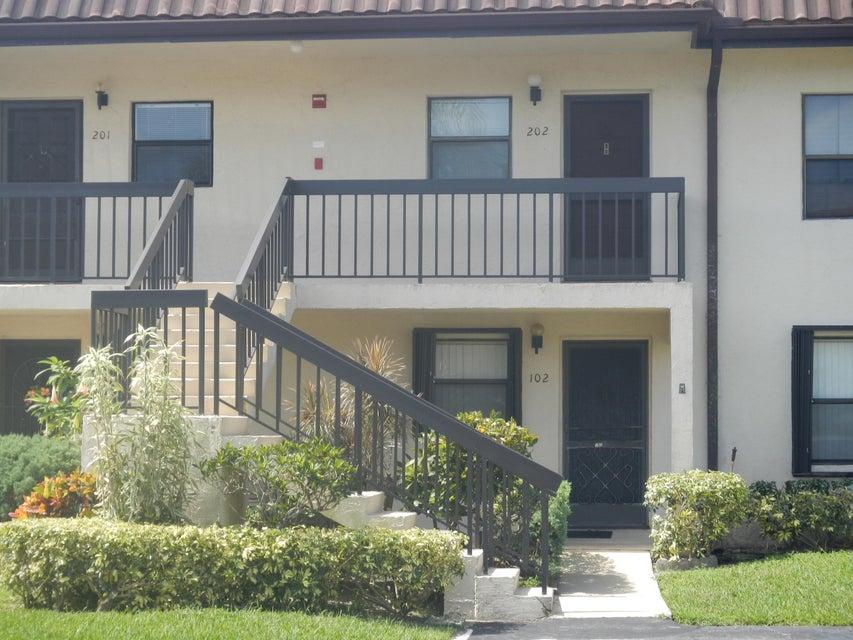 7094 Golf Colony Court 102  Lake Worth, FL 33467