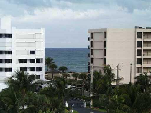 3589 S Ocean Boulevard 406  South Palm Beach FL 33480