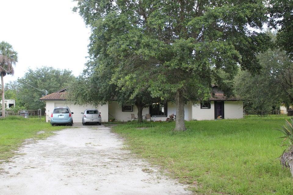 564 Fergusson Lane  West Palm Beach, FL 33415