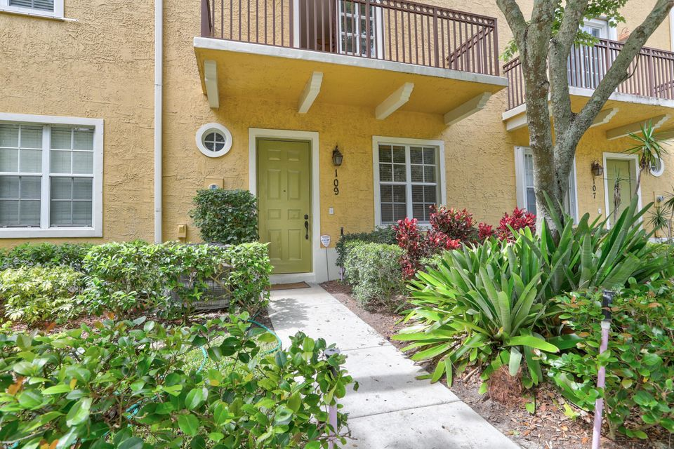 109 W Indian Crossing Circle is listed as MLS Listing RX-10440541 with 37 pictures