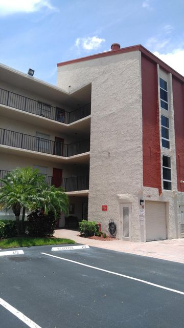 Villages Of Oriole Deauville Condo 14701 Cumberland Drive