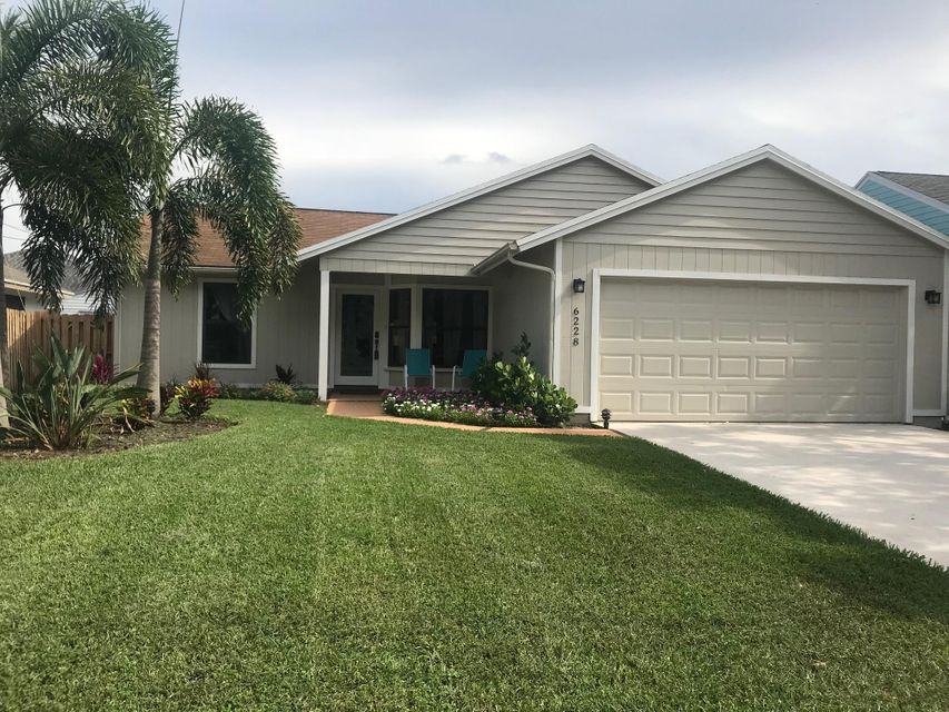 NORTH PALM BEACH HEIGHTS home on 6228  Michael Street