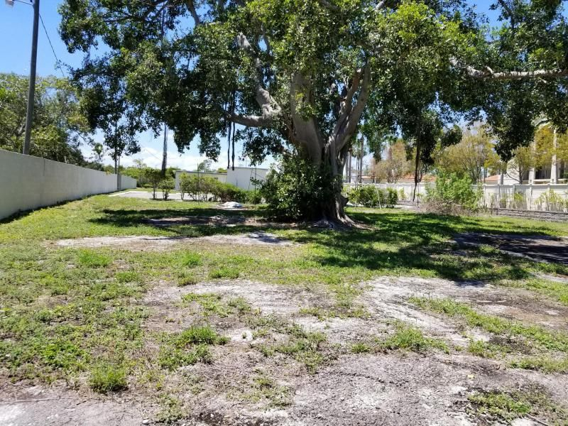 3466 N Old Dixie Highway, one of homes for sale in Boynton Beach