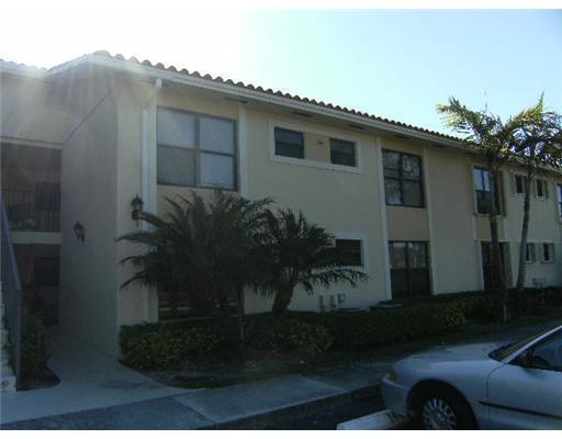 1484 Lake Crystal Drive H  West Palm Beach, FL 33411