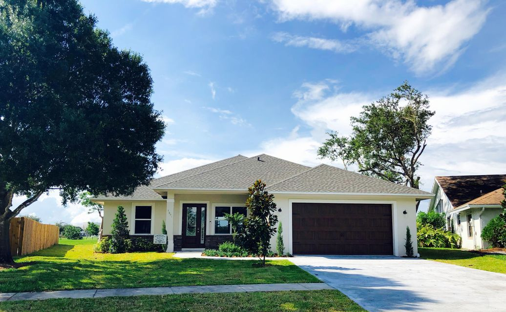 1901 Primrose Lane  Wellington, FL 33414