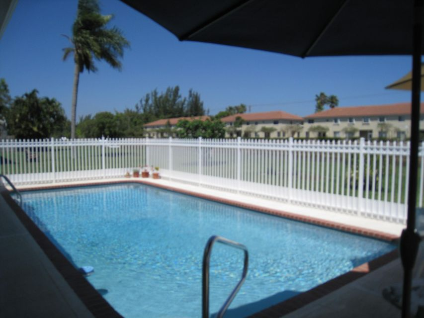 51  Vista Del Rio  is listed as MLS Listing RX-10441221 with 20 pictures