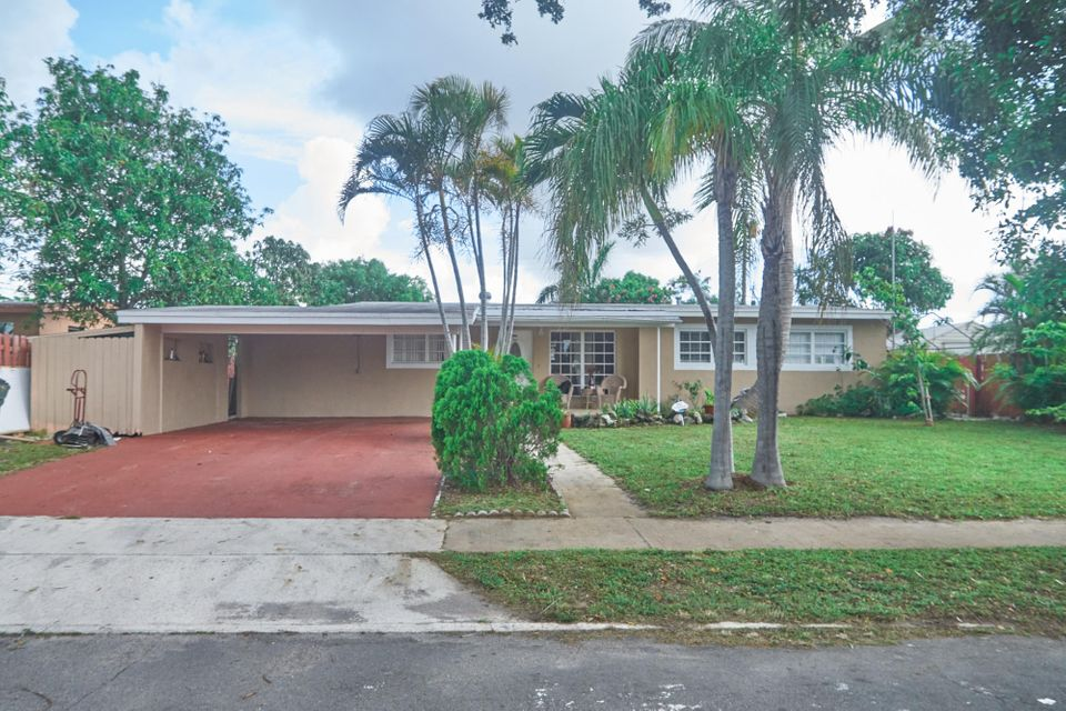Home for sale in LAKE OSBORNE HILLS I Lake Worth Florida