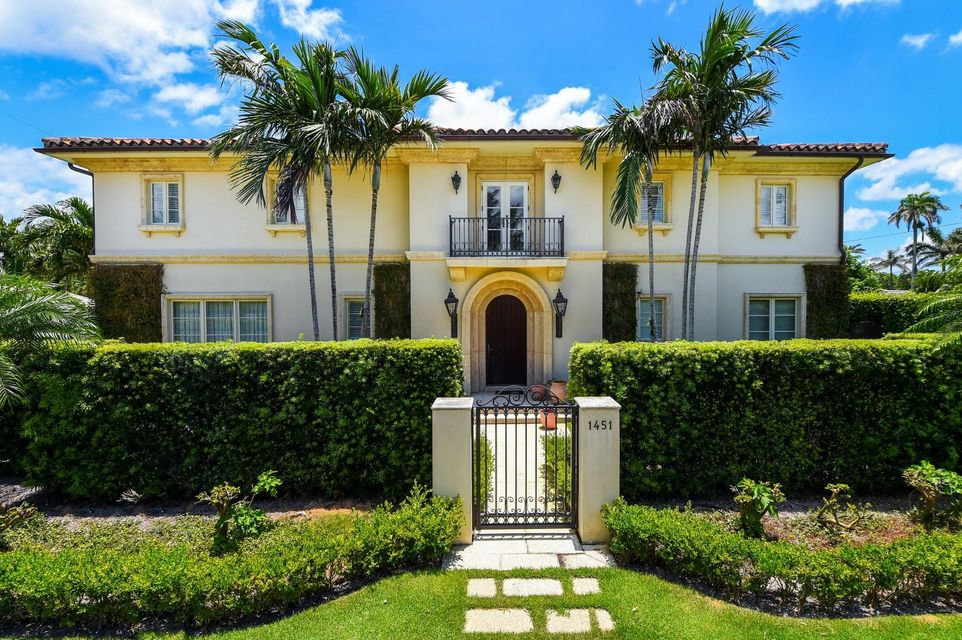 1451 N Lake Way , Palm Beach FL 33480 is listed for sale as MLS Listing RX-10441102 12 photos