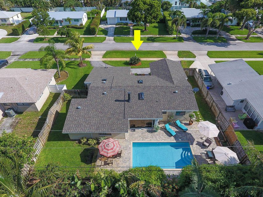 424  Gulf Road is listed as MLS Listing RX-10441565 with 61 pictures