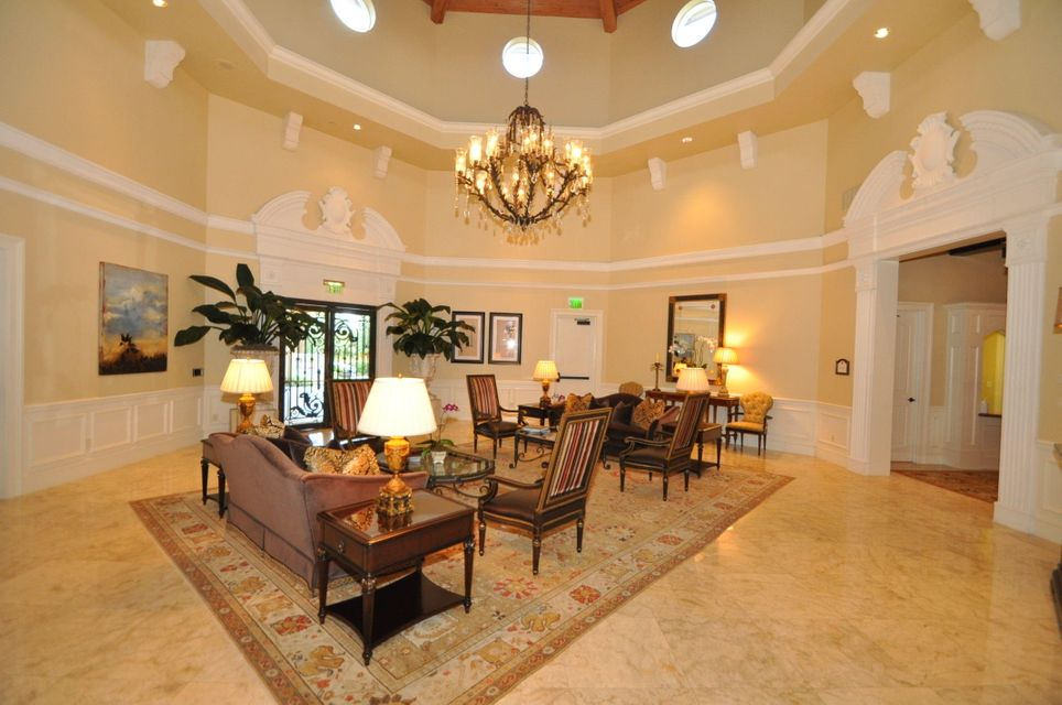 LOBBY CLUBHOUSE