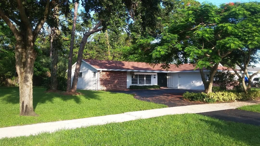 Home for sale in Florida Gardens Lake Worth Florida