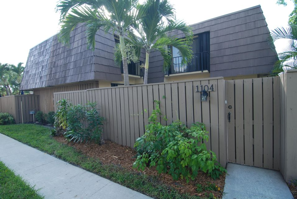 1104 11th Court , Palm Beach Gardens FL 33410 is listed for sale as MLS Listing RX-10442917 25 photos
