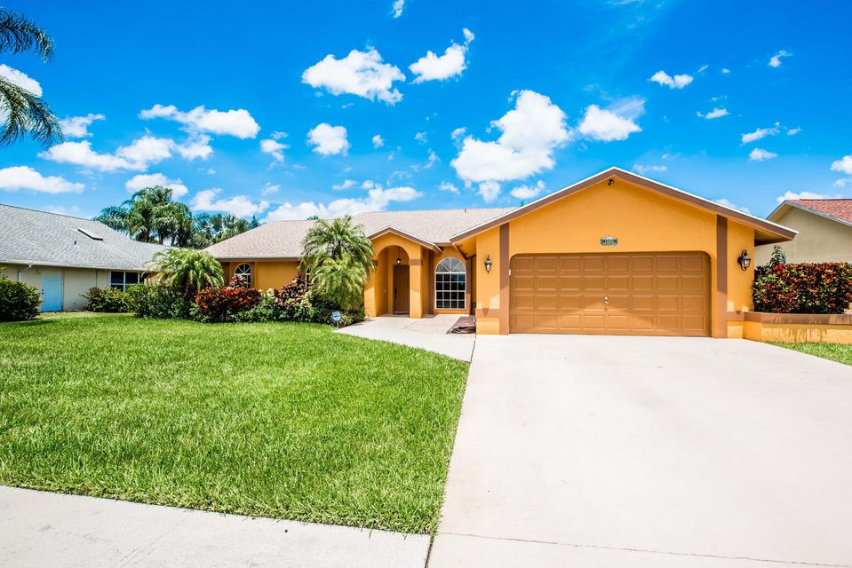 13821 Folkestone Circle  Wellington, FL 33414