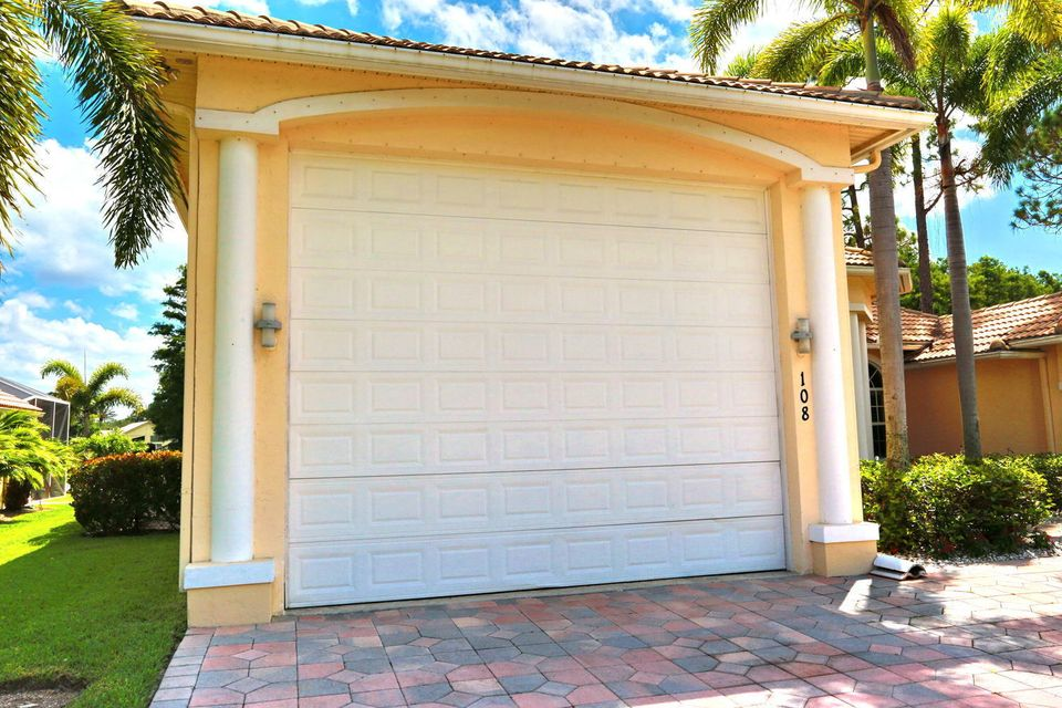 108 Kapok Crescent Royal Palm Beach, FL 33411 photo 8
