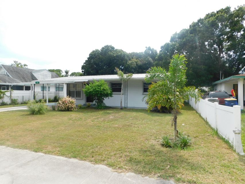 2913  Oleander Boulevard is listed as MLS Listing RX-10441219 with 14 pictures