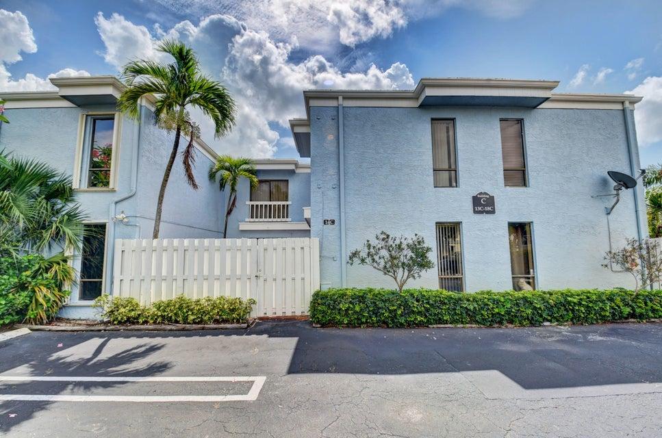 1010 NE 8th Avenue 14c  Delray Beach, FL 33483