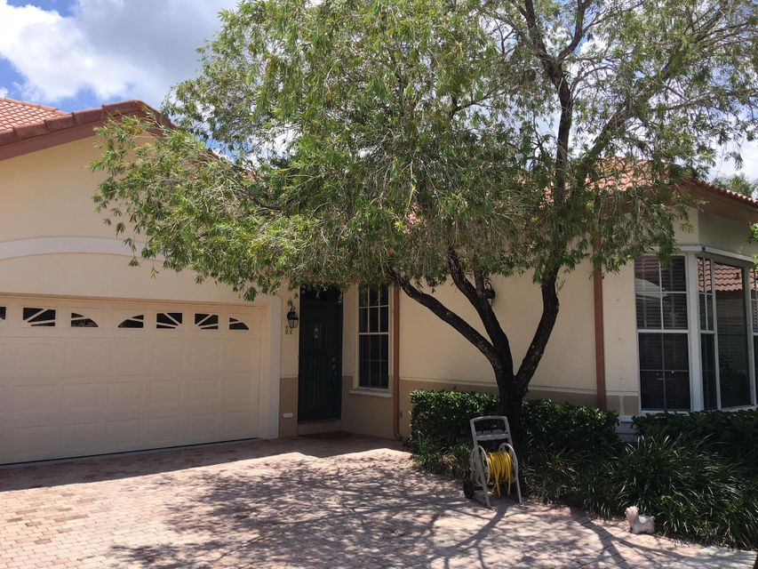 57 Monterey Pointe Drive , Palm Beach Gardens FL 33418 is listed for sale as MLS Listing RX-10442143 10 photos