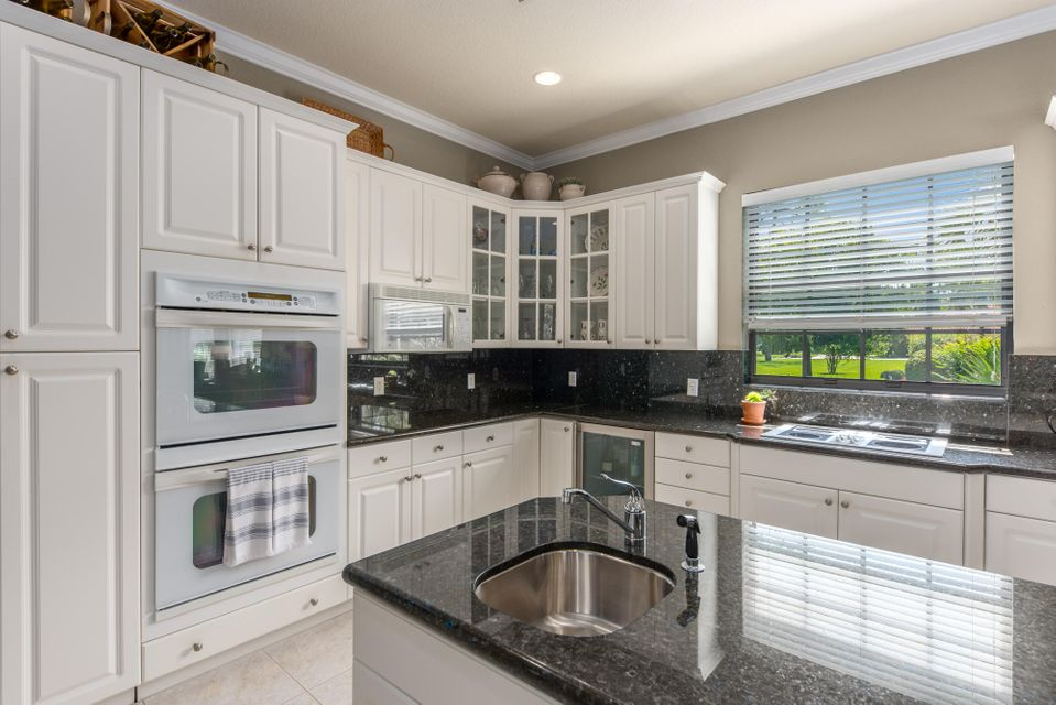 124 Pacer Circle Wellington, FL 33414 small photo 12