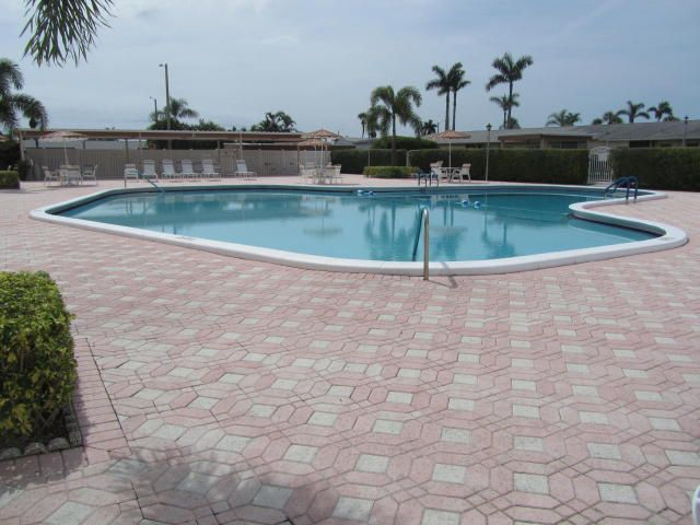 Home for sale in CRESTHAVEN VILLAS COND 23 VILLAS NO 23 OF PL 6 OF CRESTHAVEN OF PB West Palm Beach Florida