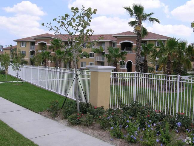 6505 Emerald Dunes Drive 303  West Palm Beach, FL 33411