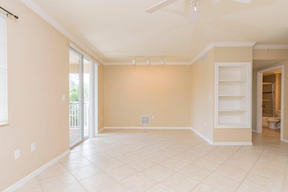 6394 Emerald Dunes Drive 303  West Palm Beach, FL 33411