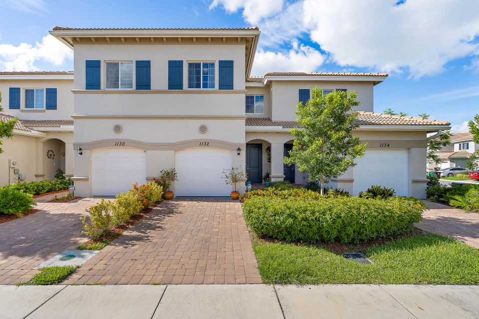 1132 Vermilion Drive  Lake Worth, FL 33461