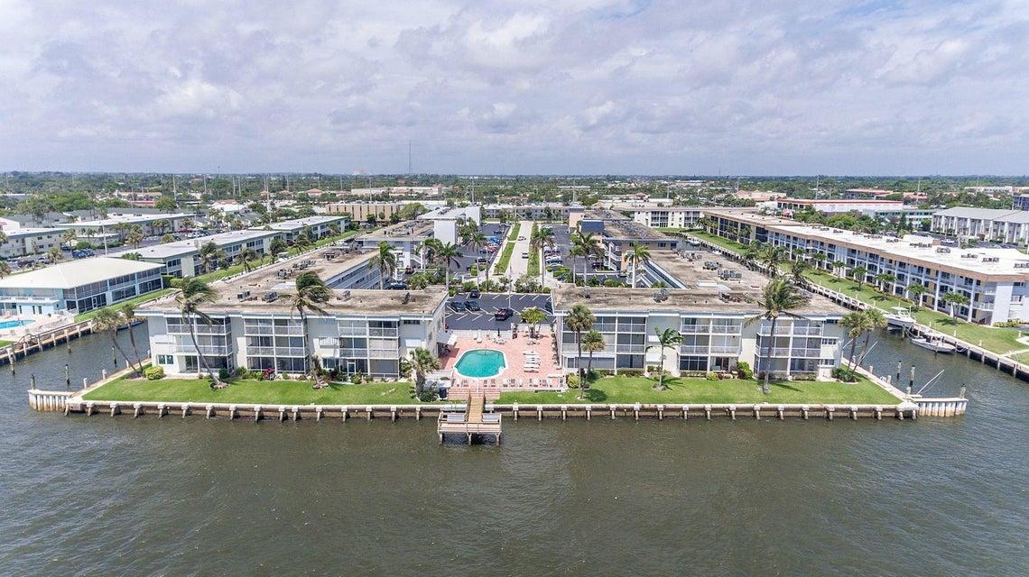 100 Doolen Court 205  North Palm Beach FL 33408